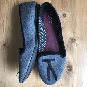 Cato 7M gray flannel with black bow flats